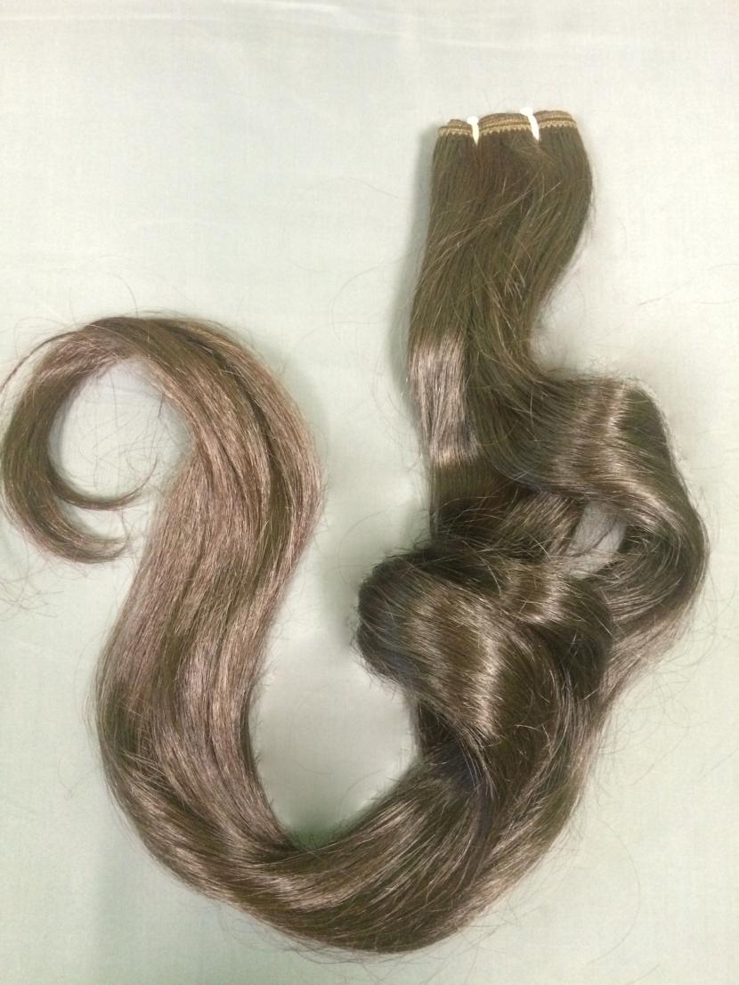 Натуральные славянские волнистые волосы на трессе