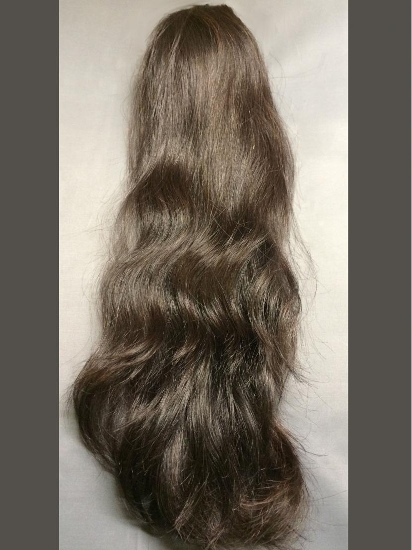 Шиньон-хвост из темных вьющихся волос