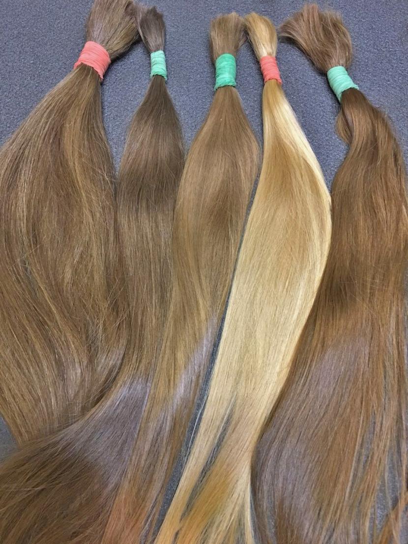 Славянские неокрашенные русые волосы в срезах 50-60 см
